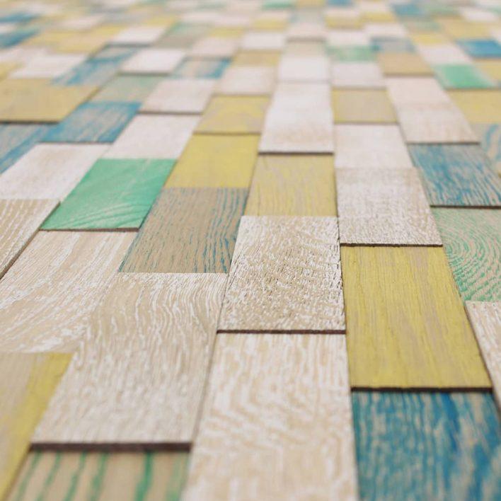 Lambris mur bois vintage coloré