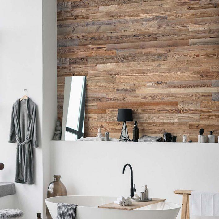 mur en planche de bois brut