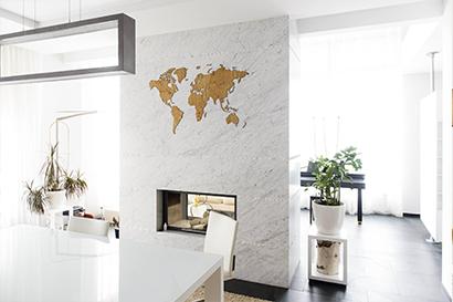 carte du monde en bois de chene